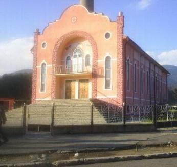 biserica-penticostala-lupeni.jpg